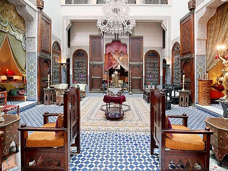 Auf unserer Rundreise durch Marokko übernachten wir im Riad Arabesque in Fes.