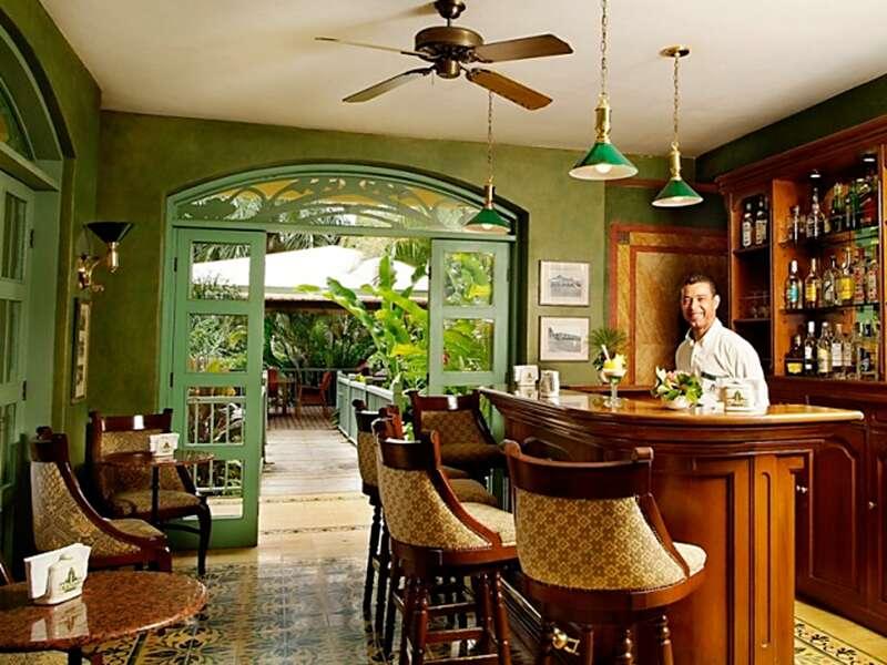 Eine unserer Staionen auf unserer Rundreise durch Costa Rica: die Casa Turire, wo wir den Abend an der Bar oder im Garten ausklingen lassen.