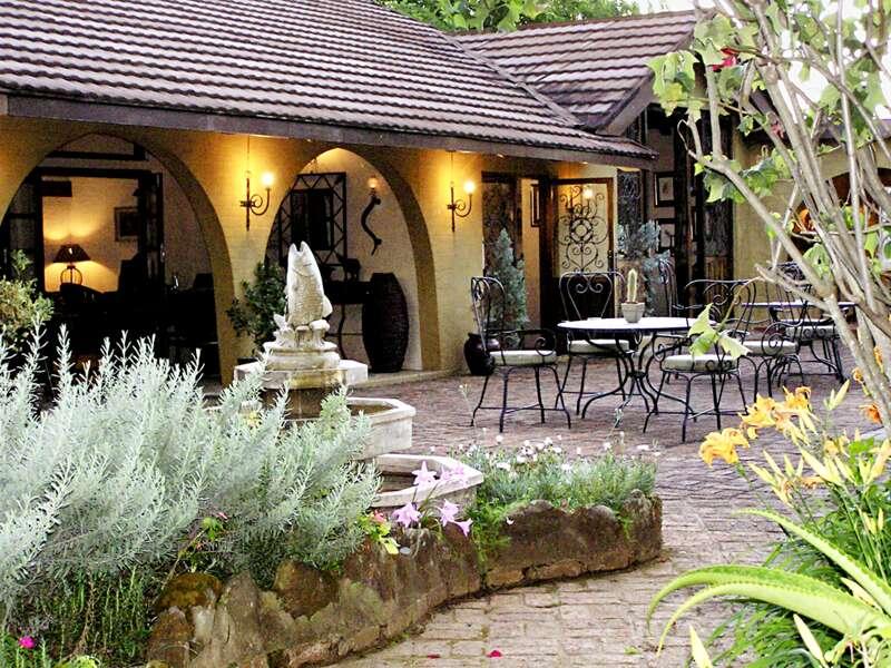 Die Terrasse des Hotels Böhms Zeederberg bei Sabie in Südafrika, in dem wir auf unserer Rundreise dreimal übernachten.