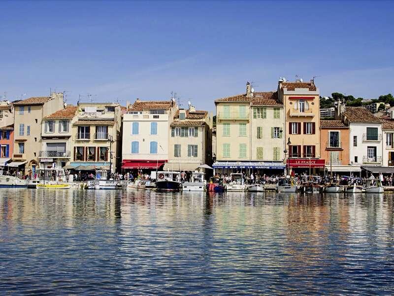 Auf unserer Rundreise in kleiner Gruppe durch die Provence bleibt auch Zeit für einen ausgedehnten Bummel durch Cassis.