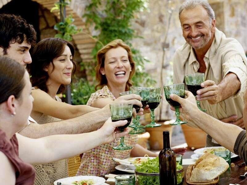 Auf unserer Rundreise durch Siebenbürgen überzeugen wir uns von der guten Qualität der Rotweine.