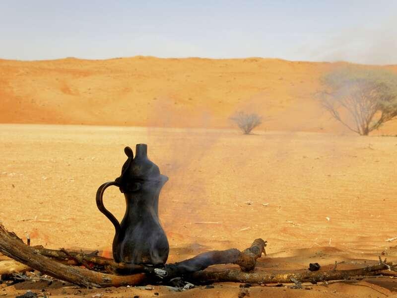Bei unserer Studienreise durch den Oman lernen wir alles über den Stellenwert des Kaffees im Oman.