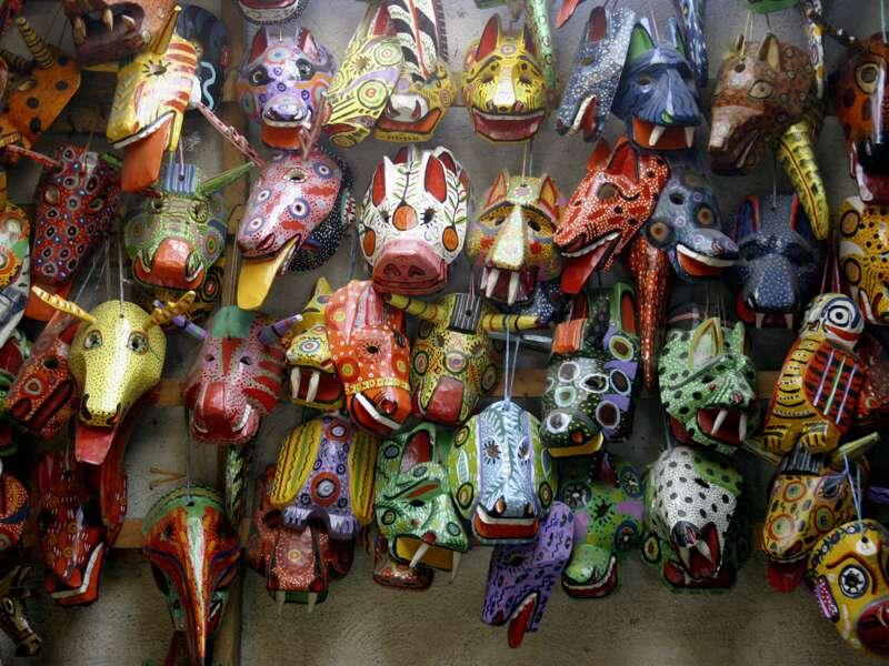 Auf der Rundreise durch Guatemala haben wir Zeit auf den Märkten in Antigua, Sololá oder Chichicastenango im vielseitigen Angebot an Kunsthandwerk zu stöbern