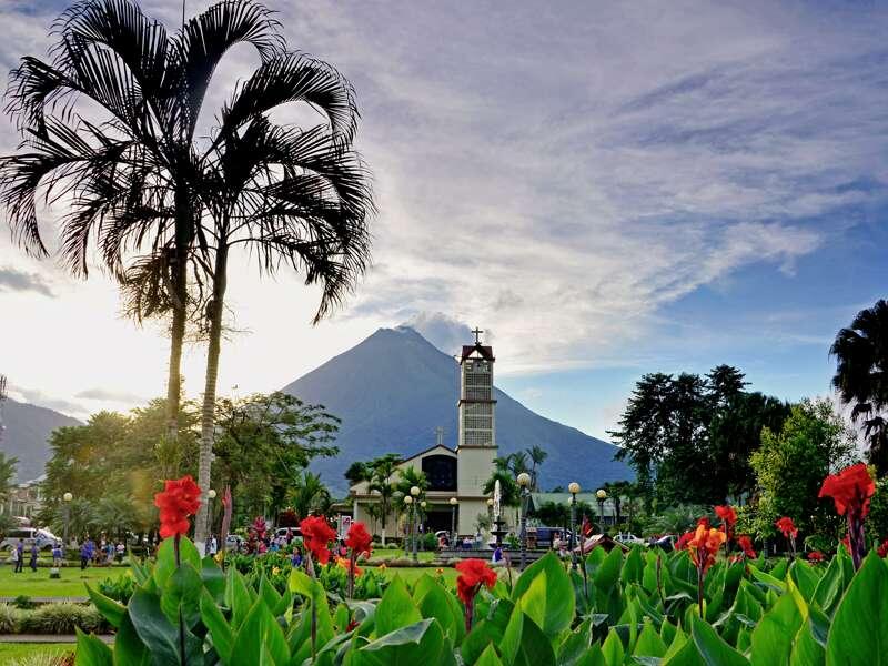 Auf unserer Studienreise durch Costa Rica besuchen wir La Fortuna und den Nationalpark Arenal mit dem gleichnamigen Vulkan.