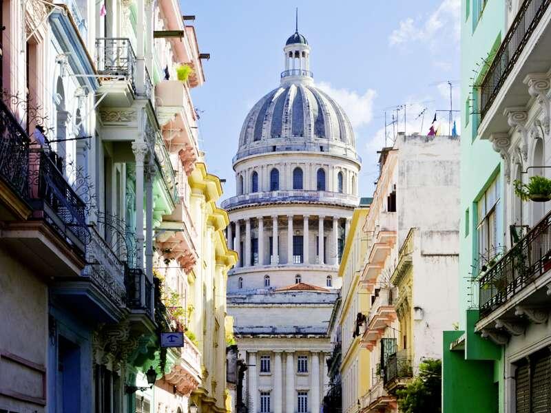 In Havanna beginnt unsere Rundreise durch Kuba. Einmal quer über die Insel zu allen wichtigen Sehenswürdigkeiten des Tropenparadieses. In Havanna endet die Studiosus-Reise auch wieder.