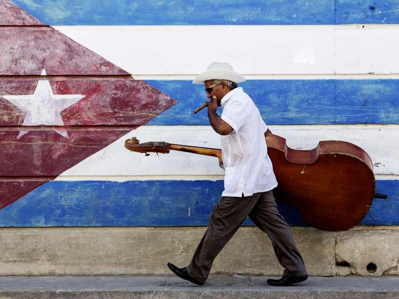In Kuba ist Musik Teil des Alltags. Wir erleben auf unserer Rundreise über die Karibikinsel beides, den kubanischen Alltag und die tolle Musik der Insel
