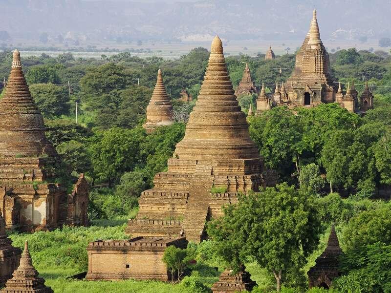 Die Pagodenlandschaft der UNESCO-Welterbestätte Bagan zählt zu den Höhepunkten jeder Studienreise nach Myanmar. Ihr Reiseleiter zeigt Ihnen die Highlights.
