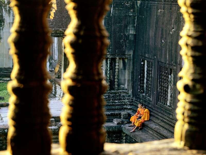 Wir besuchen auf unserer Studienreise Angkor und sehen die Tempelanlage mit ihren Mönchen.
