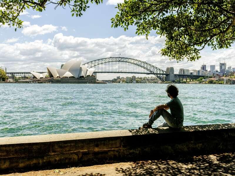 Bei unserer Studienreise durch Australien und Neuseeland machen wir natürlich auch in Sydney Station. Der Blick auf die Harbour Bridge und das Opernhaus ist aus jeder Perspektive eindrucksvoll. Und in diesem Opernhaus (UNESCO-Welterbe) schauen wir wortwörtlich hinter die Kulissen!