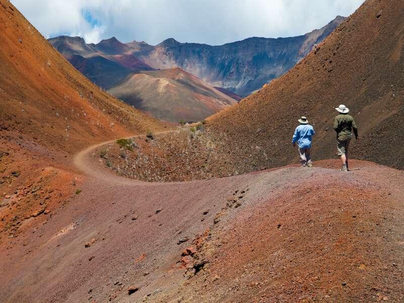 Unsere Studienreise führt uns auf fünf Hawaii-Inseln, so auch nach Maui in den Nationalpark und zum gigantischen Krater des Haleakalas.