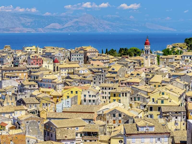 Auf unserer Wander-Studienreise nach Korfu in Griechenland ist Korfu-Stadt unsere Basis, von der aus wir zu den Wanderungen starten.
