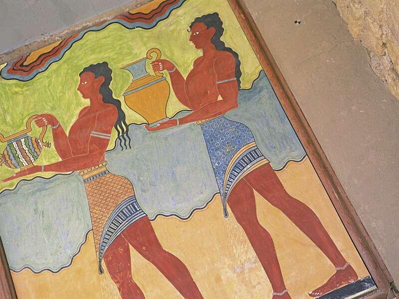 Auf unserer Studienreise nach Kreta besuchen wir den minoischen Palast und sehen die farbigen Wandmalereien.