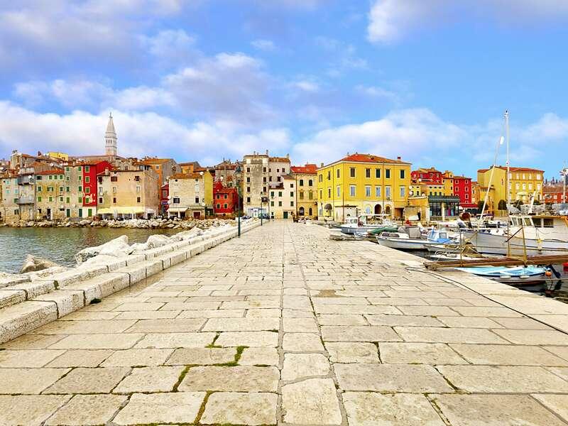 Auf unserer Studienreise mit Muße übernachten wir fünfmal in der malerischen Altstadt von Porec im kroatischen Istrien.