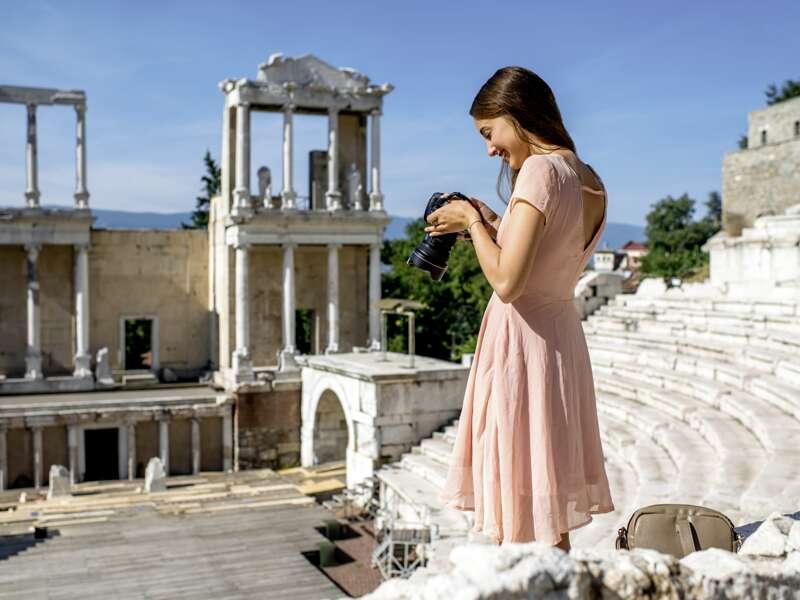 Auf unserer Studienreise durch Bulgarien besichtigen wir das antike römische Theater von Plovdiv, das heute für Opernaufführungen genutzt wird.