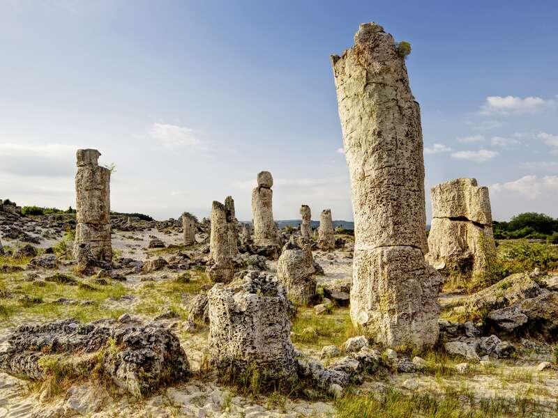Auf unserer Studienreise durch Bulgarien bestaunen wir das Naturschauspiel des Steinernen Waldes in der Nähe von Varna.