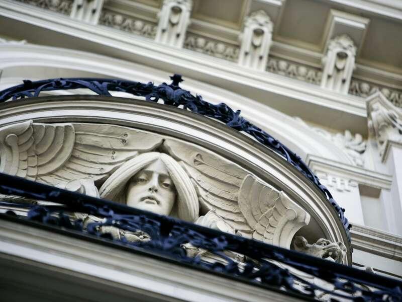 Riga ist bekannt für seine herrlichen  Fassaden der Jugendstilhäuser, z.B. in der Antoniastrasse.
