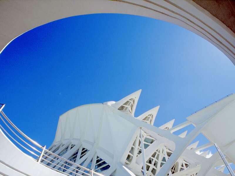 In Valencia bewundern wir die moderne Architketur von Santiago Calatrava.