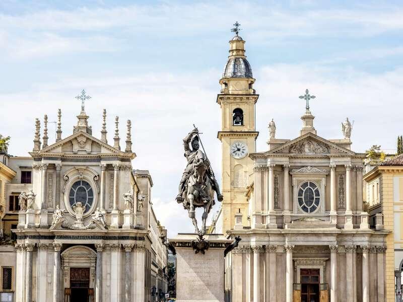 Unsere Rundreise  beginnt in Turin, der Hauptstadt des Piemonts mit ihrer wunderschönen Altstadt, am Po gelegen.